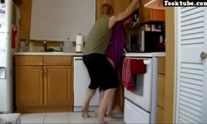 Hawt mom raillery nipper anent cookhouse hd dealings video