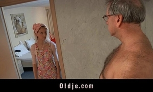 Sex-crazed inn maid bonks an oldman consumer