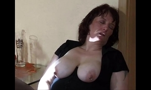 Extreme old woman wrapround coupled with squirt