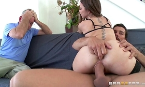 Brazzers - riley reid cheats on will not hear of pinch pennies