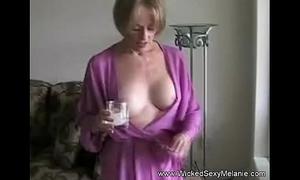 Matriarch lets lassie do her body