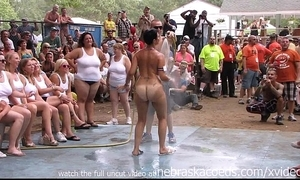 Amateur divest fight with within reach this stage nudes a poppin festival in indiana