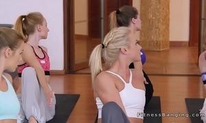 Yoga coach bangs four lesbian babes
