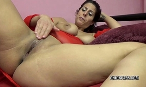 Sex-mad milf lavender rayne is carrying-on with respect to their way tight cunt