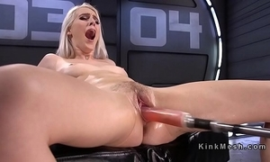 Incompetent blonde bonking appliance and squirting
