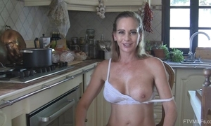 Juggy slutty wife disrobes and masturbates in the pantry