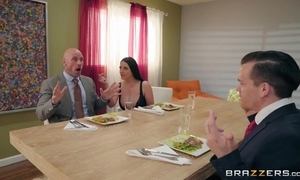 Brazzers housewife seduced the brush husband's business comrade